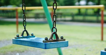 Play park equipment