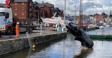 Vehicle removed from Exeter Canal